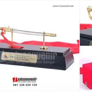 SMC 201 - Souvenir Miniatur Pedang Komando TNI